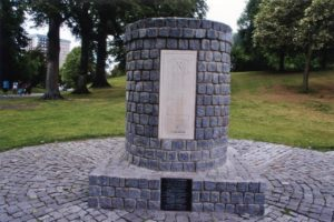 s-falkirk-first-battle-monument-1